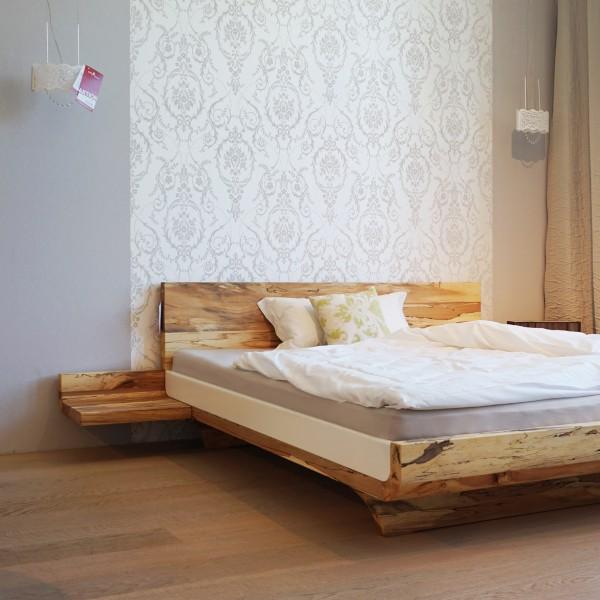 """Designer Natur Bett """"Moon"""" von Hüsler Nest aus Massivholz aus dem Möbelhaus Chemnitz, Tuffner Möbelgalerie, Bettenstudio, Matratzenstudio"""