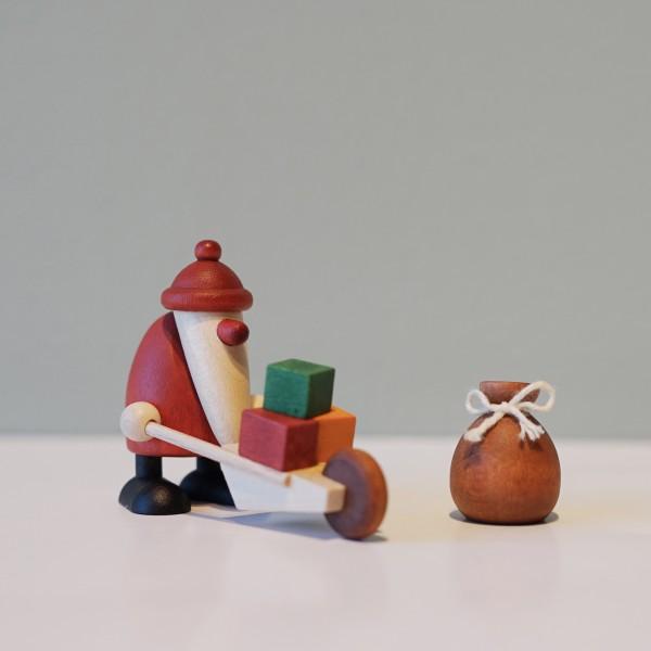 Björn Köhler Erzgebirgskunst Weihnachtsfiguren, Massivholz, Möbelhaus Chemnitz Tuffner Möbelgalerie