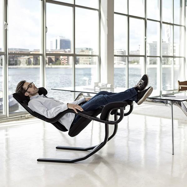 Designer Entspannungssessel aus echtem Leder von Varier aus dem Möbelhaus Tuffner 1