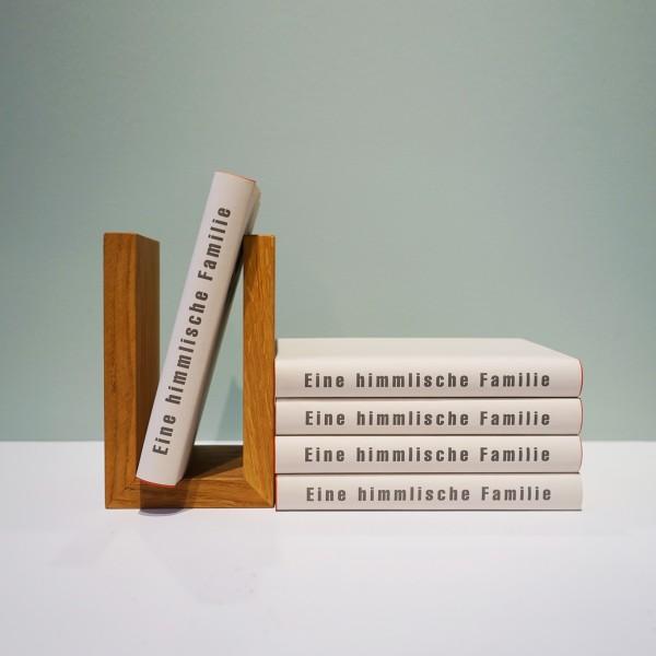 Buchstütze für Bibliothek und Regal aus der Tuffner Möbelgalerie, Möbelhaus Chemnitz, Massivholz Möbel und Designer Möbel