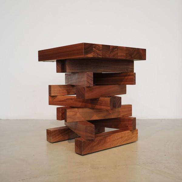Designer Massivholz Hocker und Beistelltisch, Naturmöbel  aus dem Möbelhaus Chemnitz
